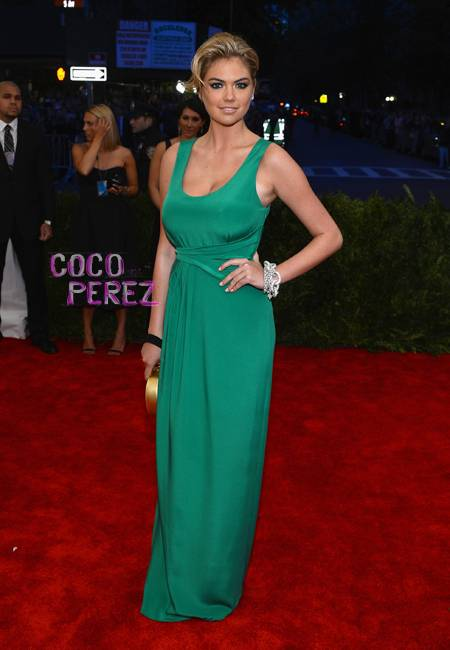 Met-gala-2013-kateupton-redcarpet-getty__oPt